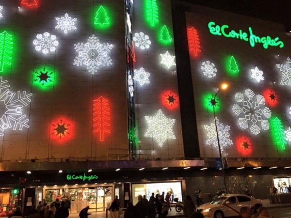 6e4c84766ab6 El Corte Ingles, one of Spain's premier shops, takes the season seriously  with its gargantuan board showing moving Xmas displays for everyone,  customers and ...