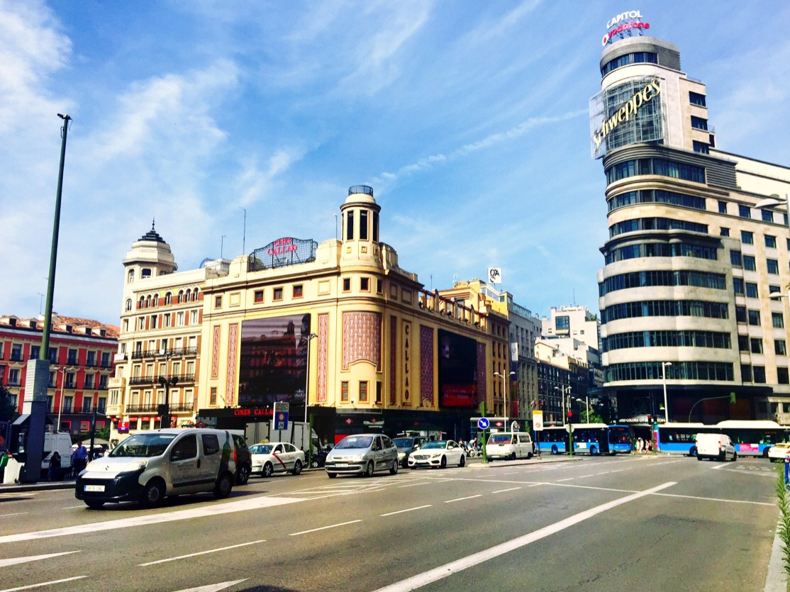 Plaza del sol let 39 s talk madrid for Gran via puerta del sol madrid
